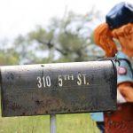 平日に休みがないです。警察署は車庫証明の郵送申請を受付しますか?