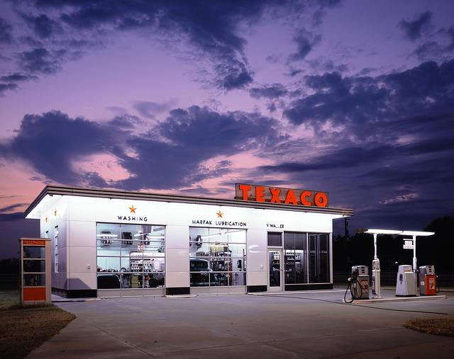 ガソリンと軽油の誤給油を防ぐ (車庫証明青森)